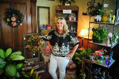 Flowers TLC owner, Lead Bank Garden City community client