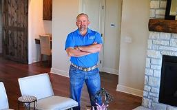 Kevin Stallings, a Lead Bank Lee